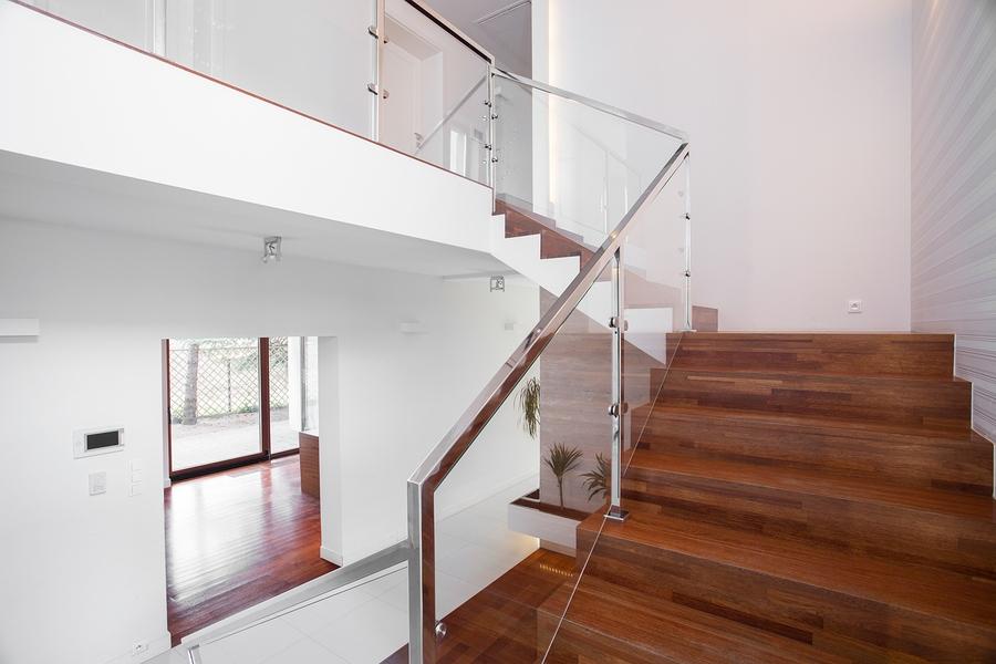 Glass stairway railing